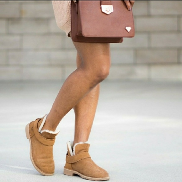 725cf60990e UGG McKay Suede Sheepskin Chestnut Ankle Boots NWT