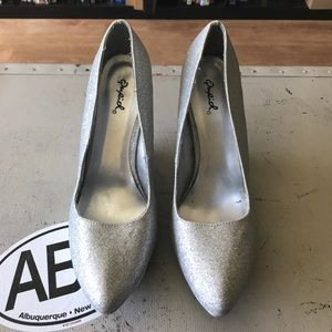 QUPID | Silver glitter wedges