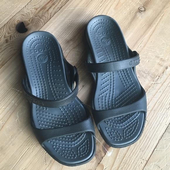 6e03803a667cc3 CROCS Shoes - Crocs women s Cleo V flat sandal
