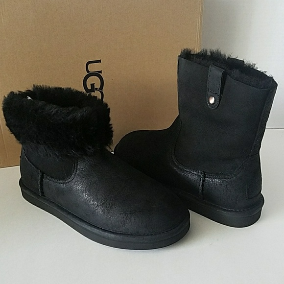 ae1350a83a7 UGG Sequoia Black Suede Chestnut Short Boots NWT