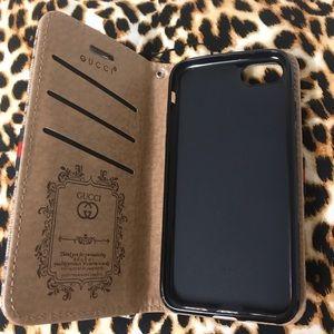 half off 31848 c8241 Gucci iPhone 7 wallet case