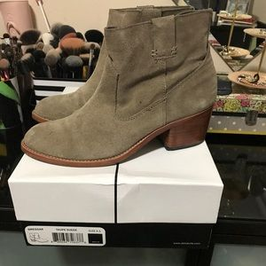 Dolce Vita - Ankle Boots - Taupe Suede