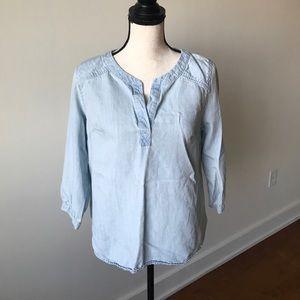 NWOT Light blue jean shirt