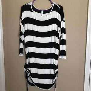 Tops - Black and White Striped Plus Size Tunic