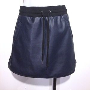 Forever 21 navy faux leather athleisure skirt