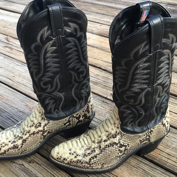 51d76ebd851 Laredo snakeskin boots