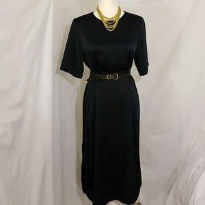 Dresses & Skirts - H&M Full Cut Navy/Black Midi Dress