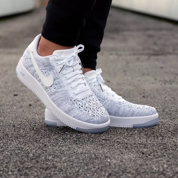 san francisco 4730f 932bd Women's Nike Air Force 1 Low Flyknit Low Sneakers NWT