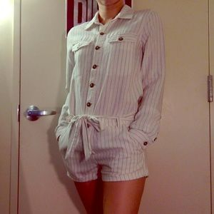 STRIPED LONG-SLEEVED ROMPER