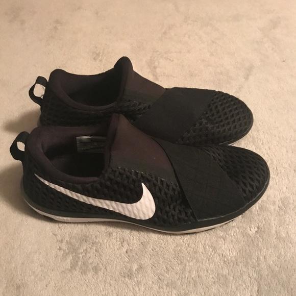 09a730f97f8fd NIKE Slide on Sneakers. M 59c5a5d22de512448e048811
