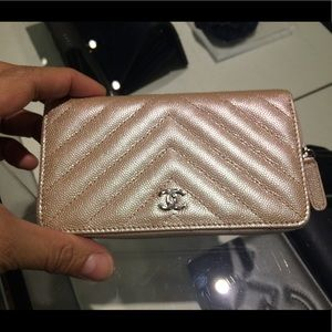 🎀🎀COMING SOON🎀🎀Authentic Chanel Mini O Wallet