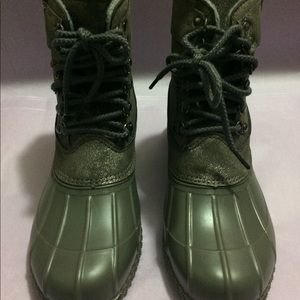 """New in box Lane Bryant """"Duck"""" boots"""