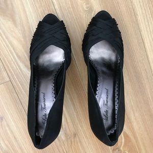Lulu Townsend pump heels