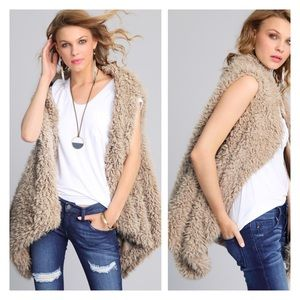 Jackets & Blazers - New Arrival- Lush Thick Vegan Fur Lined Vest