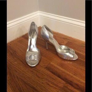"Steve Madden Silver 4"" heel. SIZE 9"