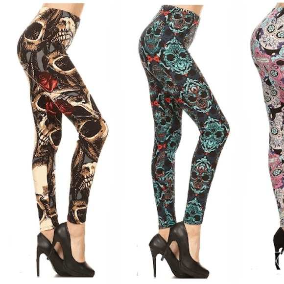 68c5f69bbc1 NEW PLUS SIZE SKULL   ROSES SOFT LEGGINGS