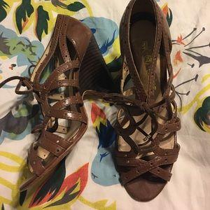 LAMB Lace up heels