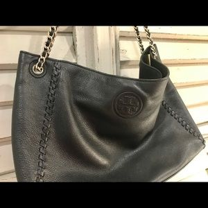 Tory burch Marion chain black pebble leather tote