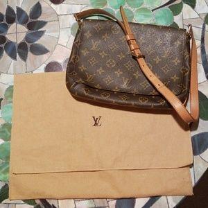 Louis Vuitton Mussette Tango