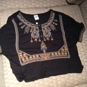 NWT Mood Vera Top Size M-great gift.