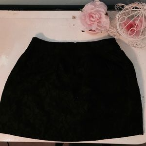 CUTE BLACK FITTED SKIRT