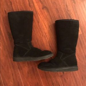Ugg WOMENS 5235 sunset tall Black suede boots.