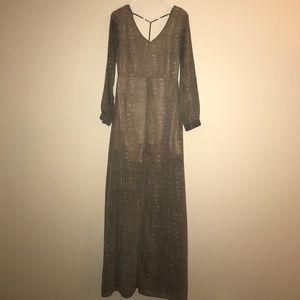 Nordstrom maxi dress with slit, perfect for fall