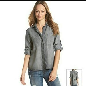 Cloth & Stone Split Back Button down Size S