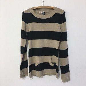 Rue21 Tan & Black Long Sleeve Sweater