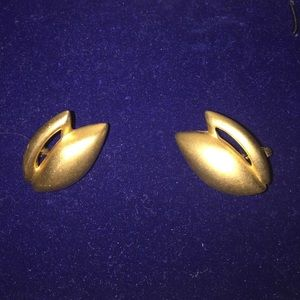 1980s Brushed Gold Tone Earrings