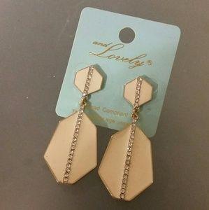 Jewelry - Cream Earrings