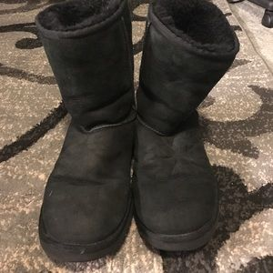 Black UGG Short boot