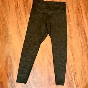🚴‍♀️Old Navy Active Leggings - NEW W/O TAGS🚴‍♀️