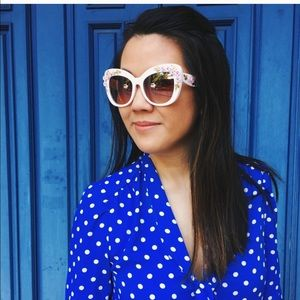 Accessories - Flowered 🌸 sunglasses 😎 with UV protection.