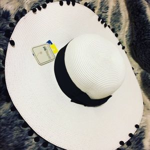 Accessories - Floppy Black and White Hat