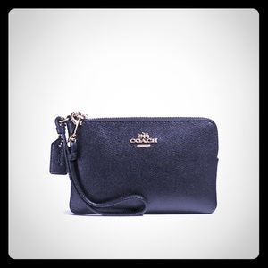 Coach Wristlet in Crossgrain leather