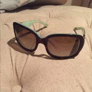 Ralph Lauren polarized sunglasses with case