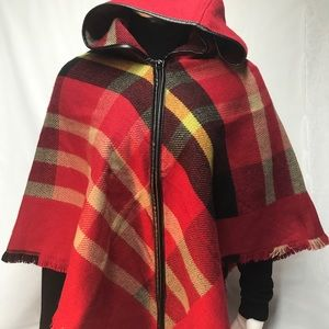 🍂NWOT Red plaid cape with hood