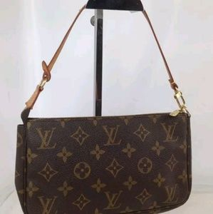 Authentic Louis Vuitton Pouchette