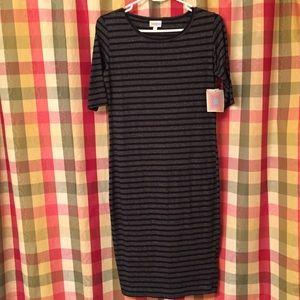 Small Lularoe Julia Dress