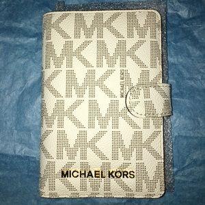 [Michael Kors] Jet Travel Passport Holder/ Wallet