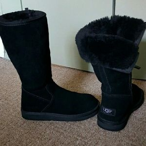Authentic Uggs. Offers are welcome.