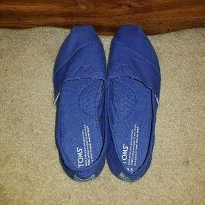 Shoes - Toms