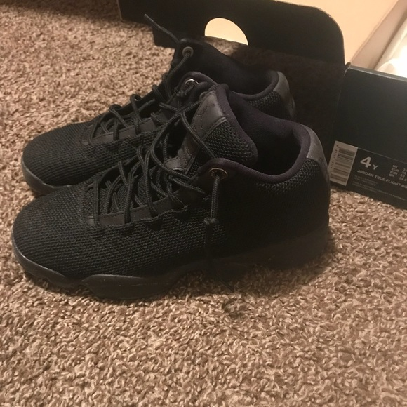 low priced 20c5e d135d Boys Jordan's size 4