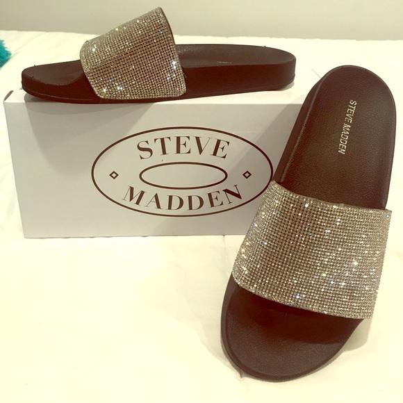 2c4d114a3c6 Steve Madden Slides. M 59c5feb0d14d7b967c05df46