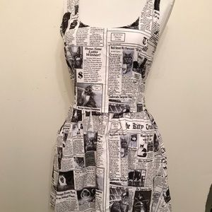 "Modcloth Retrolicious ""In The Mews"" Dress MEDIUM"