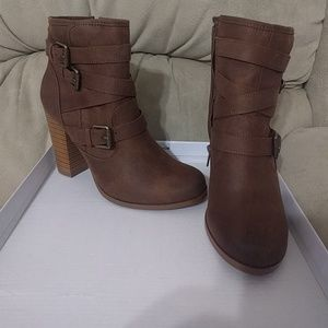 Brand new in box just fab boots