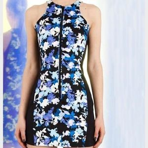 StyleStalker Blue Floral Metamorphosis Dress
