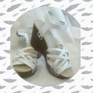 White Platform Wedge Sandals!🌼