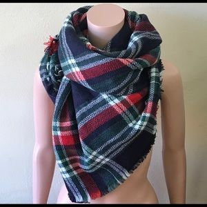 🔥🔥Blue/Green/White/Red Blanket Scarf.🔥🔥